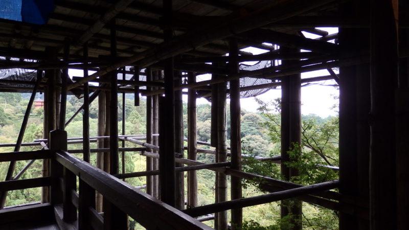 改装中の清水寺の本堂