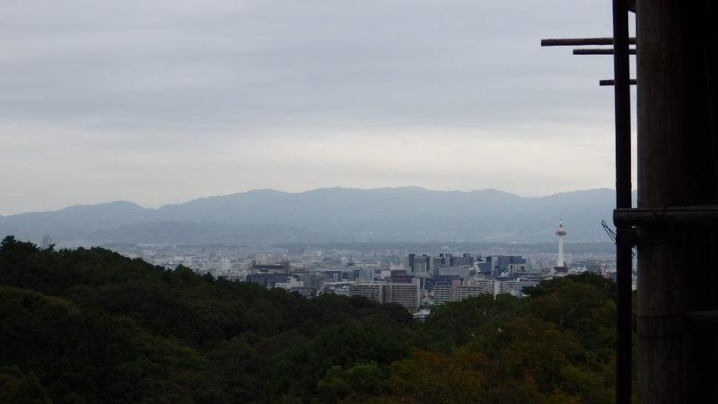 清水寺から見えた京都タワー