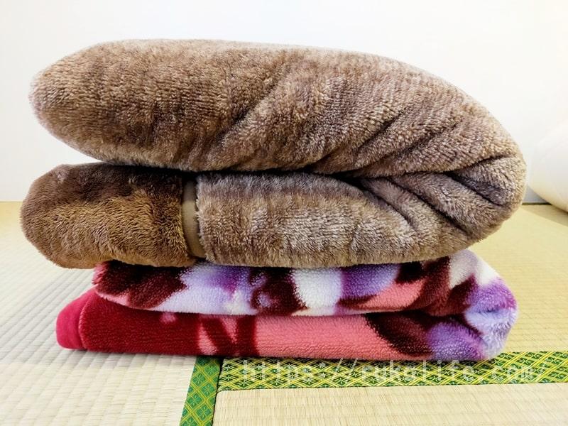 ニトリNウォームスーパーと普通の毛布を重ねて比較